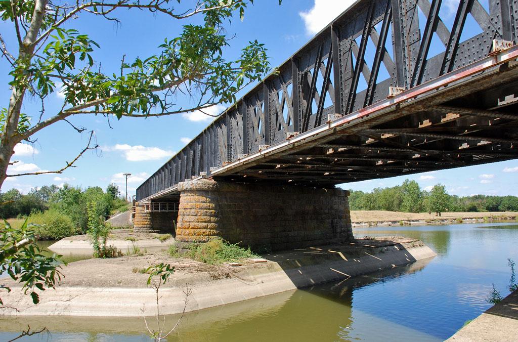 Nantes bordeaux un pont sous surveillance paysage ferroviaire - Pont ferroviaire de bordeaux ...